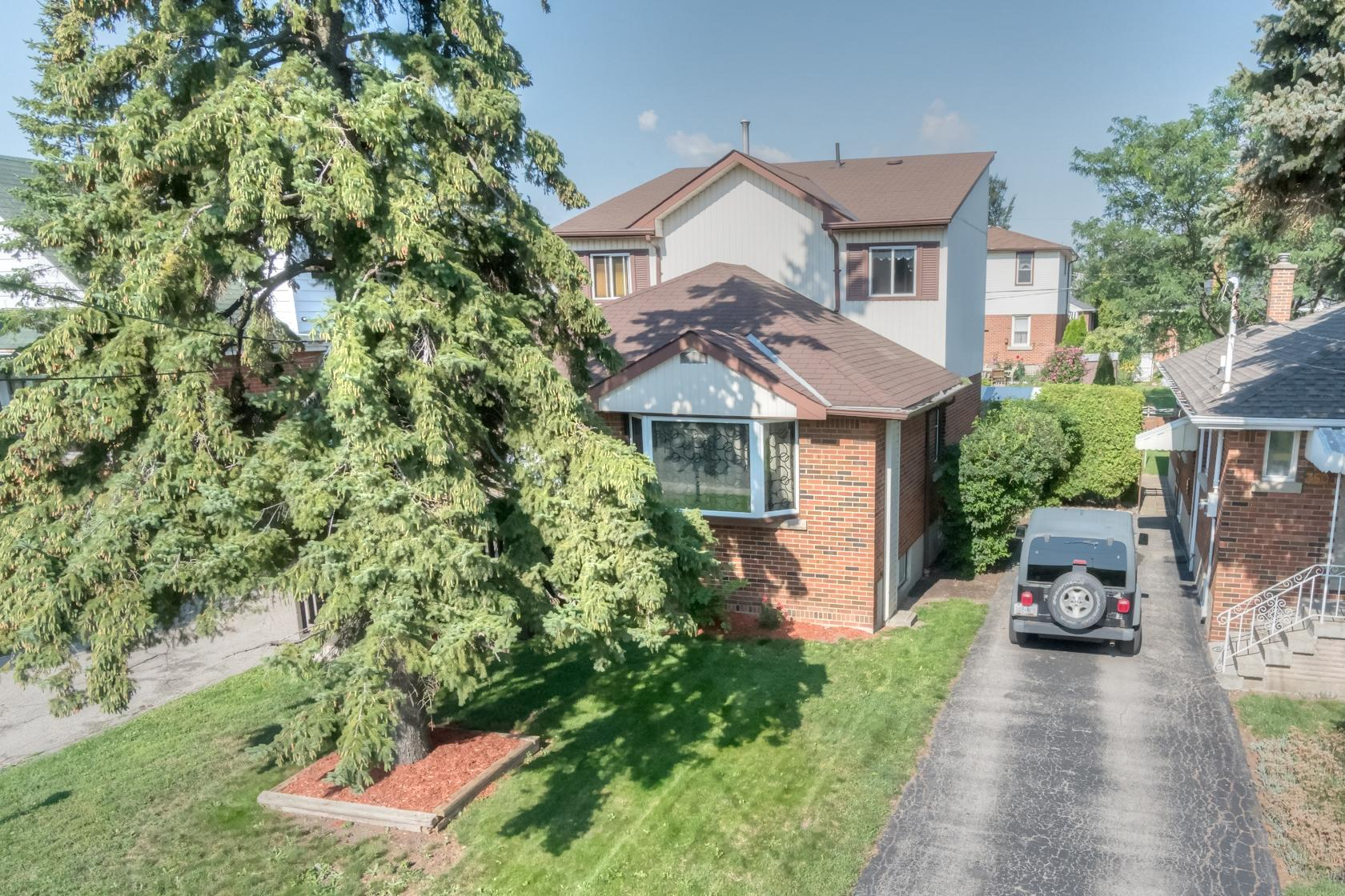 352 East 18th St $399,900