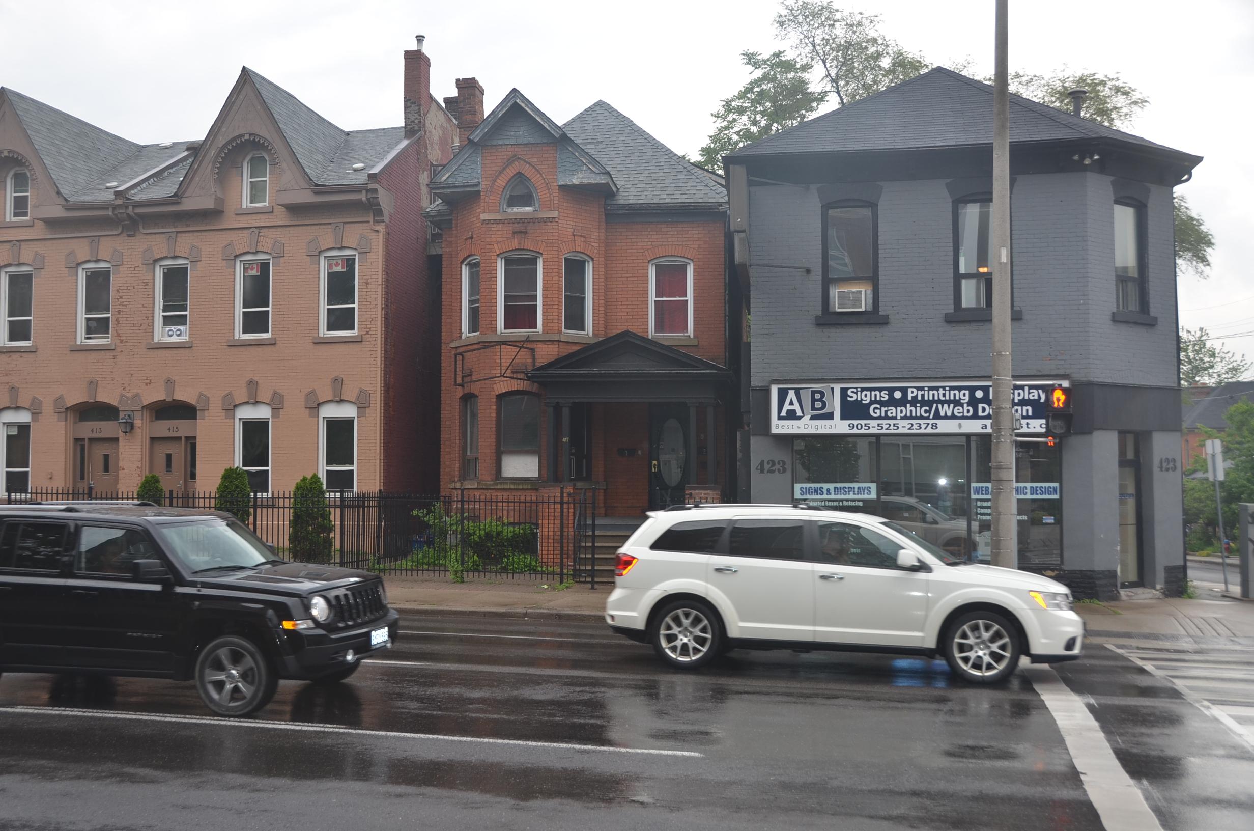 #3-417 King St W, Hamilton