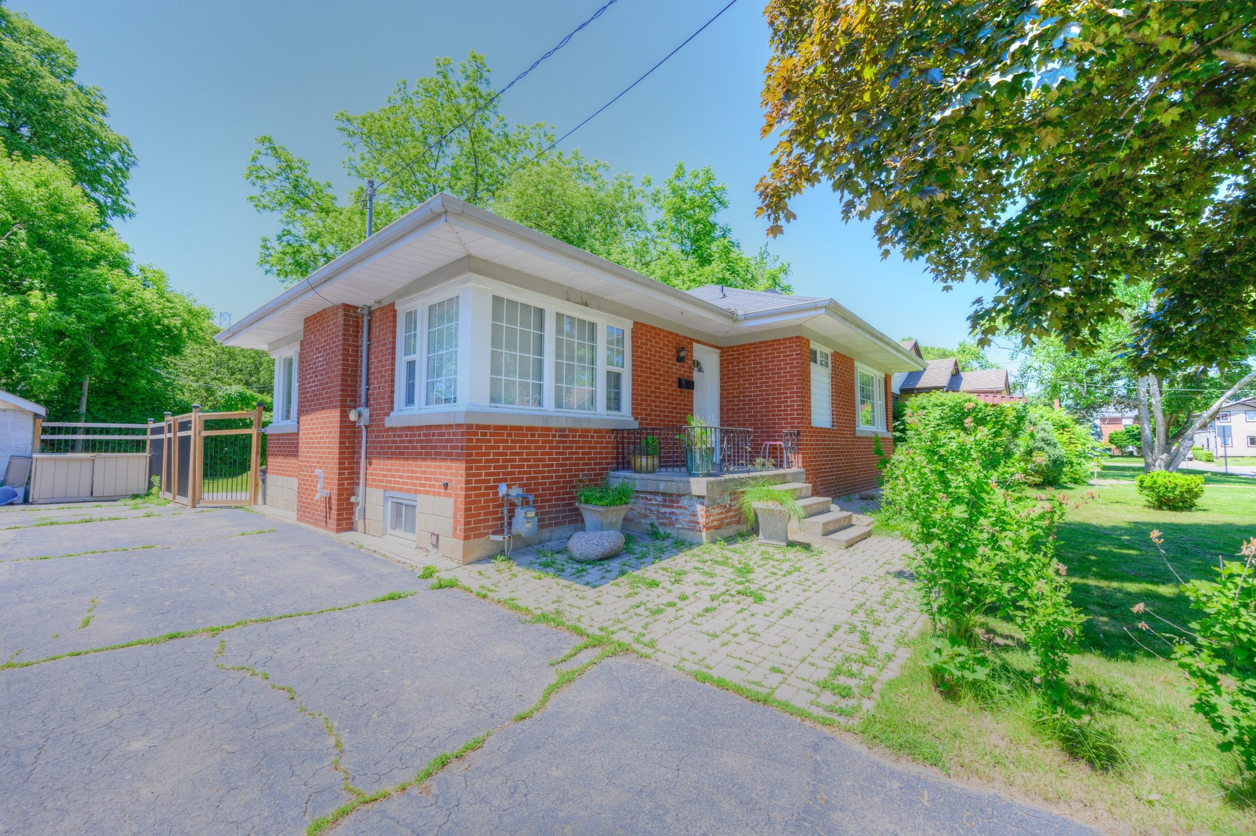 7 Westbourne Rd $679,900