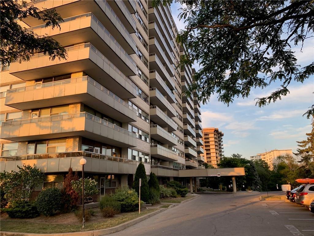 #801-215 Glenridge Ave $285,000